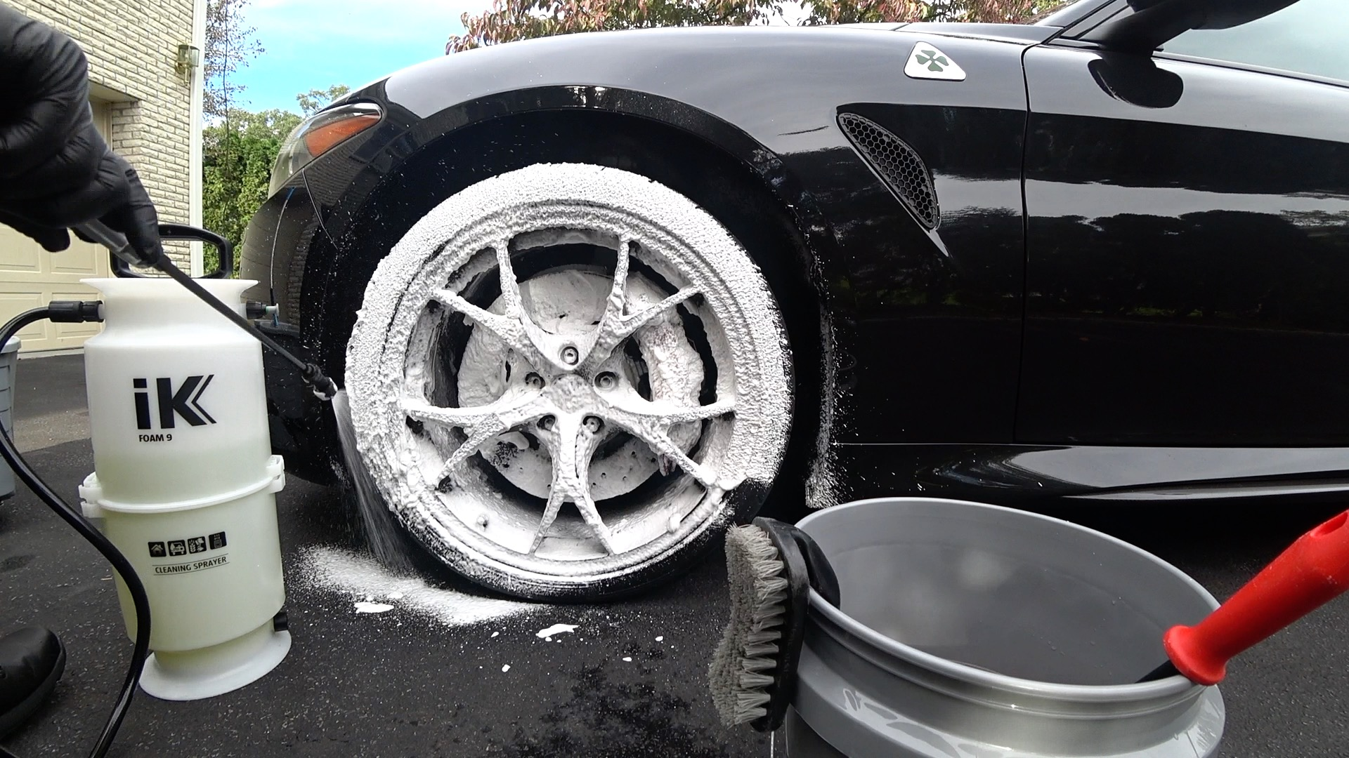 The New Auto Fanatic Professional Wheel Cleaning Foam